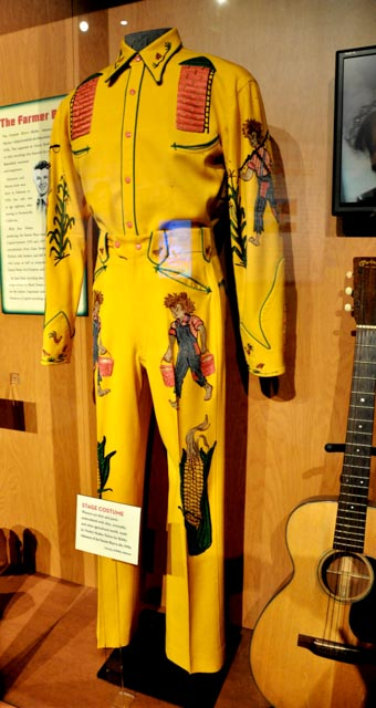 Fashion Inspiration at the Country Music Hall of Fame