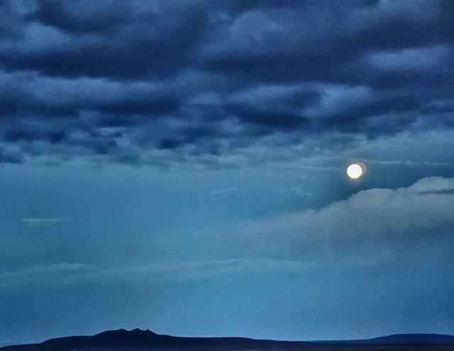 Photo of the Day: Moonset in Taos
