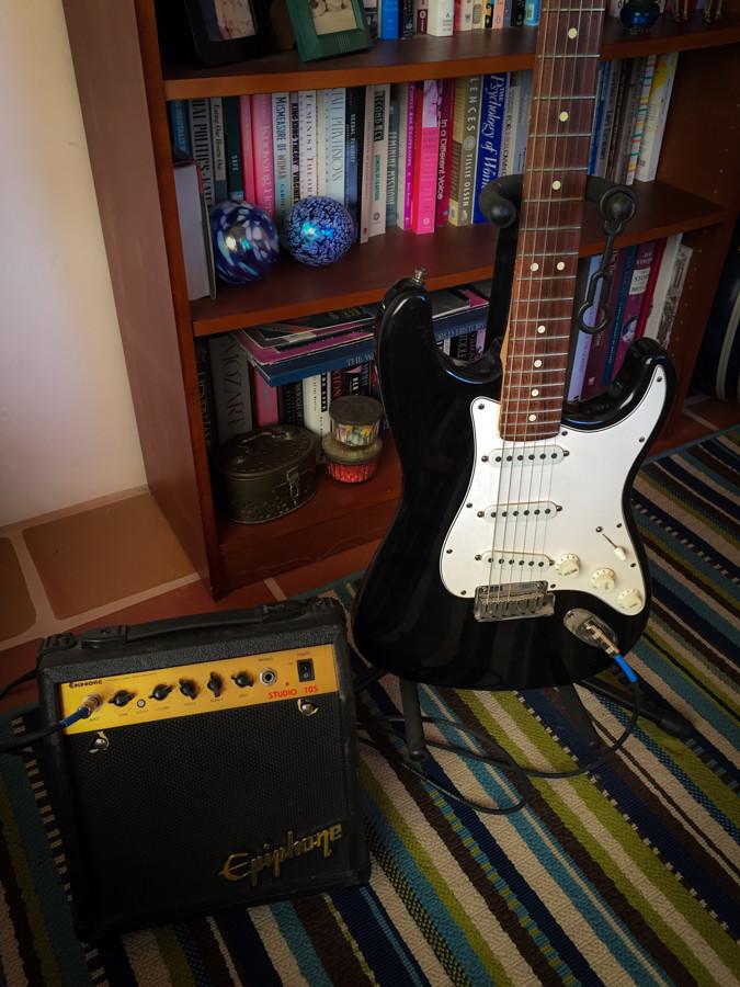 Strat-and-amp.jpg