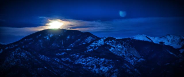 Winter-moonrise-over-Sangres.jpg